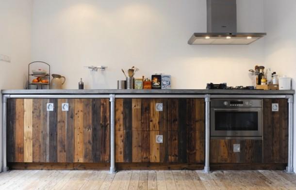 Keukenframe-gemaakt-van-steigerbuizen-idee_1365266963-van-Bibian