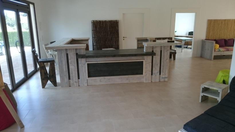 stunning paris with planche de bar. Black Bedroom Furniture Sets. Home Design Ideas