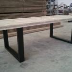 table pied en metal 2